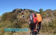 5 Cara Mengatasi Kaki Pegal Setelah Naik Gunung